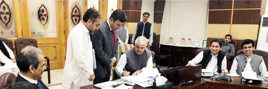 Chief Minister Khyber Pakhtunkhwa Mahmood Khan Signing the approval of the Provincial Budget for the Financial Year 2018-19