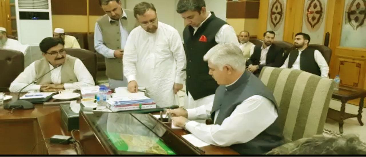 Chief Minister Khyber Pakhtunkhwa Mahmood Khan Signing Budget 2019-20